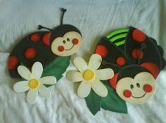 flores y mariposas en goma eva