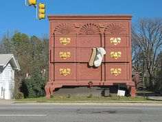 Need Furniture? Head over to the Furniture Capital, High Point North Carolina! #NorthCarolina
