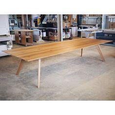 Vista St- Oak #furnituremakers #australiandesign #vistasttable @designfarm_perth