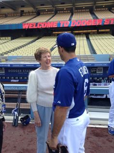 """""""Nancy Bea and Andre Ethier catch up pregame:"""" Dodgers Fan, Dodgers Baseball, Andre Ethier, Dodger Blue, Dodger Stadium, Baseball Stuff, Los Angeles Dodgers, World Series, My Boys"""