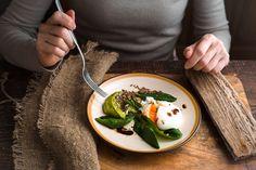 Päänsärky, väsymys, vatsavaivat – selätä 7 yleisintä terveysongelmaa syömällä oikein
