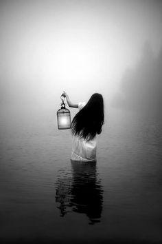 Immagine di black and water