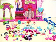 2006 Polly Pocket Polly World Lot Dolls Clothes Accesories Stage ( AS IS)