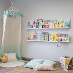 Long Wall Shelves, Wall Bookshelves Kids, Hanging Bookshelves, Nursery Bookshelf, White Bookshelves, Floating Bookshelves, White Floating Shelves, Shelves In Bedroom, Kids Book Shelves