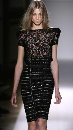 Anna Selezneva Photo - Paris Fashion Week - Balmain Spring/Summer 2009 Fashion Show