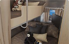 Airstream Flying Cloud 30FB Bunk Beds