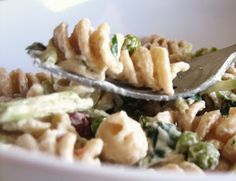 Ruby Tuesday Ham and Pea Pasta Salad (Copykat)