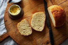This is it: the bread recipe so simple and good, it will get you baking bread every week—even if you've never made a loaf in your life. It's the comforting, no-knead peasant bread that's ready in as … Bagels, Rice Cooker Bread Recipe, Croissants, Fudge, Peasant Bread, Biscuits, Yeast Bread Recipes, Cornbread Recipes, Jiffy Cornbread