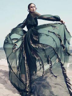 Publication: Vogue Brazil January 2017 Model: Anna Cleveland Photographer: Gil Inoue Fashion Editor: Patricia Tremblais Hair: Amanda Schon Make Up: Amanda Schon
