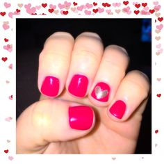 Perfect Valentine's Day nails! Gel lovers embrace red & pressed glitter gold heart!
