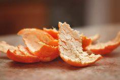 How To Make Orange Peels Vinegar Cleaner - Enjoy Natural Health Herbal Remedies, Health Remedies, Home Remedies, Natural Remedies, Holistic Remedies, Orange Peel Vinegar, Apple Vinegar, Get Rid Of Flies, Vinegar Cleaner