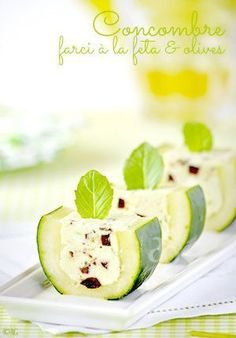 Cucumber stuffed with Feta, basil and olives. Scroll down for recipe in English. Concombre farci à la feta & olives - Alter Gusto Fingers Food, Cooking Recipes, Healthy Recipes, Snacks Für Party, Antipasto, Appetisers, Creative Food, Food Design, Food Presentation