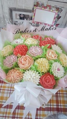 Cupcake Bouquet  by Vicky / Bakes & Makes