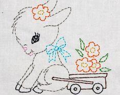 Vintage elefante bailarina en tutú máquina bordado diseño 2 tamaños, o coloreación, DESCARGA INSTANTE. Baby Embroidery, Embroidery Works, Vintage Embroidery, Machine Embroidery Designs, Embroidery Stitches, Toddler Sewing Patterns, Cat Machines, Hand Sewing Projects, Vintage Elephant