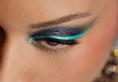 I LOVE the aqua bluegreen!