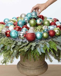 Ornament Wreath Urn