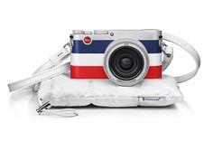 モンクレールとライカのコラボ、トリコロールの限定カメラ「ライカ X Edition Moncler」の写真1