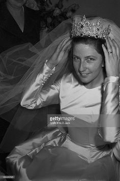 Princess Maria Luisa married Prince Karl of Leiningen, son of Grand Duchess Marie Kirillovna Royal Wedding Gowns, Wedding Tiaras, Royal Weddings, Celebrity Wedding Photos, Celebrity Weddings, Princess Elizabeth, Princess Victoria, Royal Tiaras, Tiaras And Crowns