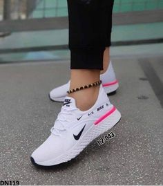 Cute Sneakers, Sneakers Mode, Sneakers Fashion, Fashion Shoes, Shoes Sneakers, White Nike Shoes, Nike Air Shoes, Nike Tennis Shoes, Nike Tennisschuhe