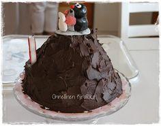 Little Mole cake Devil's food cake triple