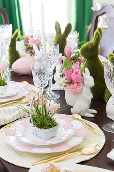 Jane at Home-Easter table setting ideas-Pizzazzerie-#easterdecorations