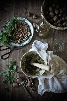 Salada de grão com pesto de nozes e hortelã # Chickpea salad with walnuts and mint pesto