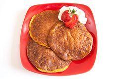 Pumpkin Protein Pancakes | Bodybuilding.com 1/2c pumpkin, 1/4c egg whites, 1/2 scoop protein, 1t baking powder (136 cal, 23g protein)