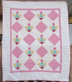 ANTIQUE VINTAGE QUILT CANDY PINK FLOWER POT QUILTS APPLIQUE PATCHWORK COTTON