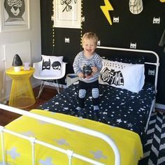 Chambre enfant en noir et jaune | Black and Yellow kid's bedroom