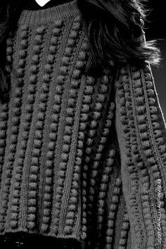 Grey Textured Sweater - contemporary knitwear design detail // Just Cavalli Fall 2012 Knitwear Fashion, Knit Fashion, Moda Crochet, Knit Crochet, Knitting Designs, Knitting Stitches, Look 2015, Fabric Manipulation, Missoni