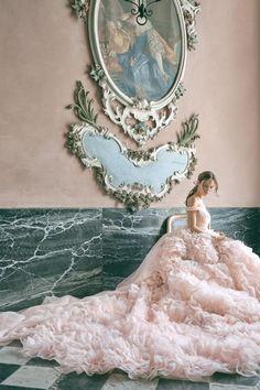 #wedding #weddings #weddingdress #weddinggown #nuptials Wedding Dress Trends, Perfect Wedding Dress, Boho Wedding Dress, Dream Wedding Dresses, Wedding Gowns, Designer Wedding Dresses, Lela Rose, Vera Wang, Carolina Herrera