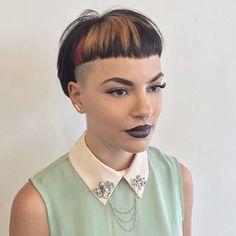 33 New Short Bob Haircuts for 2020 - hazel's ideas Edgy Short Haircuts, Haircuts With Bangs, Short Hair Cuts, Lesbian Hair, Pelo Pixie, Hair Color And Cut, Creative Hairstyles, Crazy Hair, Pixie Haircut