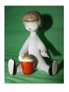 Hollohaza Vintage playing girl figurine numbered T 7 indicated from Hungary deco #ArtDeco #Hollohaza
