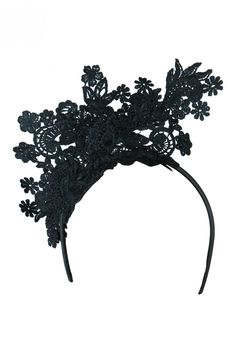 A delicate floral lace fascinator which will elevate your race day outfit to fashions on the field ready Lace Fascinator Fitted with a Headband for easy wear Feminine Design Best Selling Look Floral Crown, Floral Motif, Floral Lace, Headband Tuck, Race Day Fashion, Race Day Outfits, African Hats, Race Wear, Carnival