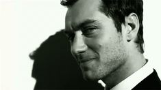 Dior Homme Sports - Dior Homme Intense - Jude Law - Home Interior Design Beautiful Person, Gorgeous Men, Jude Low, Young Pope, Brendan Fraser, Hey Jude, British Boys, Sexy Gif, Irish Men