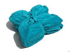 "Sherpa Throw Cozy Reversible Lined Blanket 50 x 60"" Microplush/Sherpa Throw Blanket (Turquoise) Sherpa http://www.amazon.com/dp/B00MYCQ0GK/ref=cm_sw_r_pi_dp_ULD.tb1DYYBGA"
