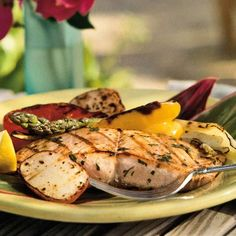 speedy salmon fillet - As long as you have the grill going for this basil-basted salmon, throw some summer vegetables on, too. Grilling Recipes, Seafood Recipes, Camping Recipes, Grilled Salmon Recipes, Salmon Meals, Grilled Food, Fish Dishes, Main Dishes, Salmon Fillets