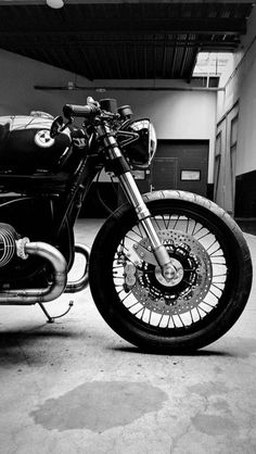 Wind Burned Eyes is a site for motorcyclists. It focuses on custom motorcycles, motorcycle gear, motorcycle industry news, and more. Bmw Motorcycles, Sportbikes, Scrambler, Custom Bikes, Bobbers, Eyes, Content, Motorbikes, Sport Motorcycles