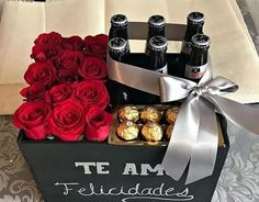 Gift box per uomini ! 🌹🧔🍺🍫 Ci troviamo in Via (Marcianise) 📍 Consegne Gratis in (Marcianise,Capodrise e Recale) ⚜️❤️ Fathers Day Gift Basket, First Fathers Day Gifts, Best Dad Gifts, Gifts For Dad, Handmade Gifts For Boyfriend, Valentines Gifts For Boyfriend, Boyfriend Gifts, Homemade Gift Baskets, Homemade Gifts