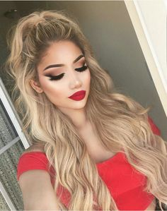 Classic hair and makeup look - gorgeous!