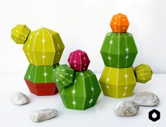 Stackable Cactus paper toys / paper crafts - DIY free printable