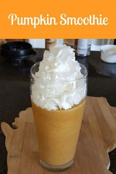 Smoothie A delicious and refreshing pumpkin smoothie that is very easy to make. Kids love it too!A delicious and refreshing pumpkin smoothie that is very easy to make. Kids love it too! Fall Recipes, Holiday Recipes, Cheap Recipes, Yummy Drinks, Yummy Food, Delicious Meals, Fruit Smoothie Recipes, Healthy Smoothies, Drink Recipes