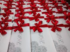 Invitaciones boda rojo/negro con papel vegetal