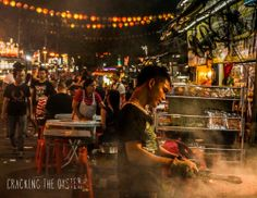 Don't go to ordinary restaurants in Kuala Lumpur but explore and eat at the night market! Kuala Lumpur, Restaurants, Asia, Traveling, Explore, Marketing, Night, Concert, Eat