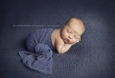 Photographing Your Own Newborn :: Inspire Me Baby