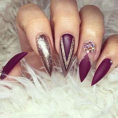 Nail art per unghie a stiletto (Foto 9/21) | Donna