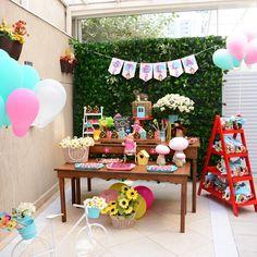 #mashaeourso #festamasha #decoracaodefesta #masha #festainfantil http://festacleanchic.com/festa-clean-masha-e-o-urso-para-stella/