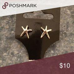 Starfish earrings Gold starfish earrings look alike Lilly Pulitzer earrings Jewelry Earrings