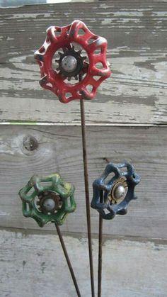 Hand Made Folk Art Valve Handle Flowers Welded Metal Industrial Art Welding Art Projects, Metal Art Projects, Diy Welding, Metal Welding, Metal Crafts, Metal Yard Art, Scrap Metal Art, Junk Art, Faucet Handles