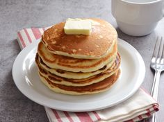 Learn how to make perfectly-prepared pancakes with this easy how-to from Genius Kitchen.